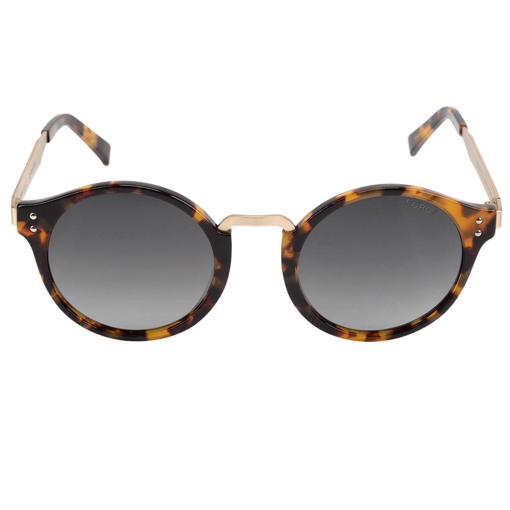 d03cfaaa4 O Óculos de Sol Feminino Euro é da coleção Redondos. Com um shape  queridinho, é impossível não se apaixonar por esses modelos! Ele tem  armação em acetato ...
