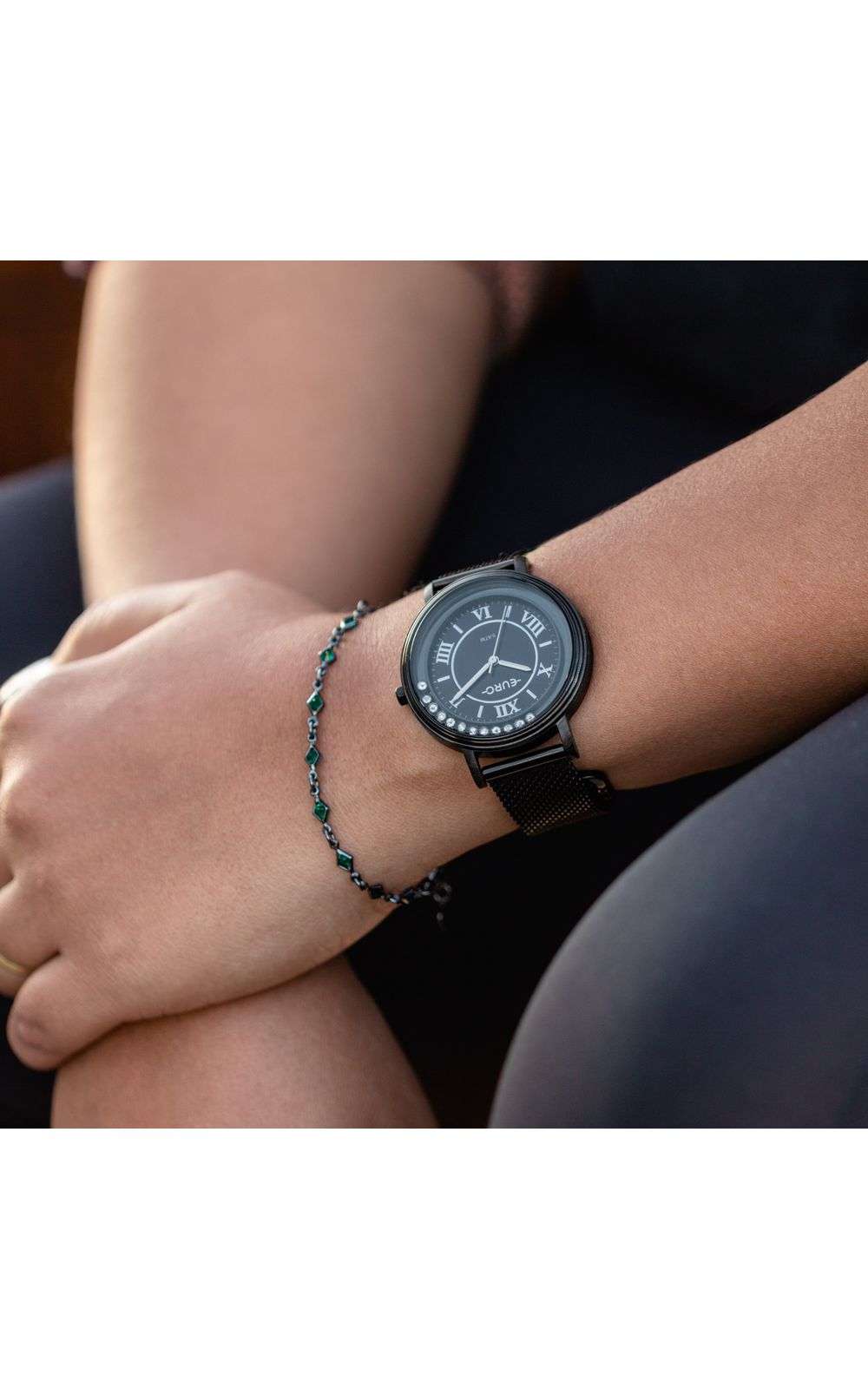 Foto 4 - Relógio Euro Crystal Move Feminino Preto EU2035YRY/4P