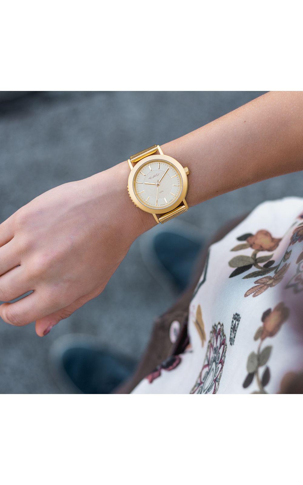 Foto 4 - Relógio Euro Feminino Strong Woman Spikes Dourado EU2036YPY/4D